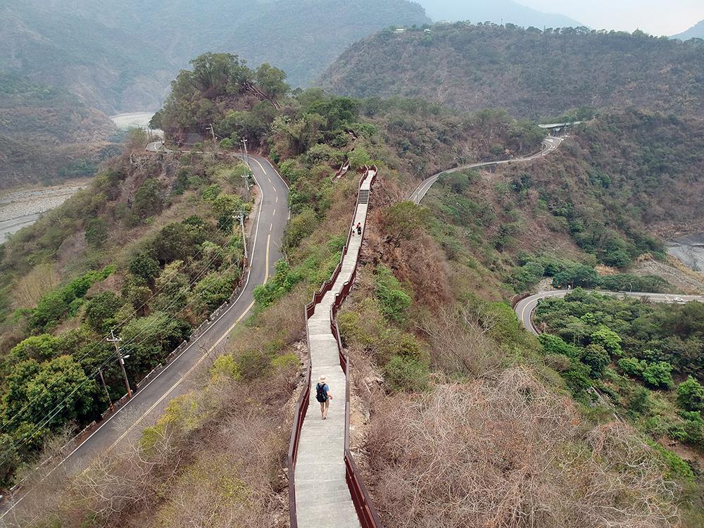 龍頭山步道沿途景色壯麗。(攝影/Carter)
