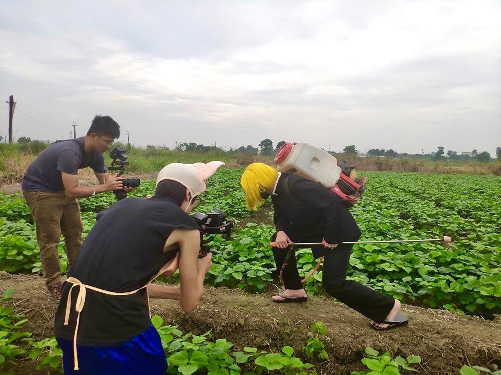 「好農無限+」平台推出「100種省工方法」,以輕鬆詼諧的影片介紹農業省工妙招。(圖片提供/高雄市政府農業局)
