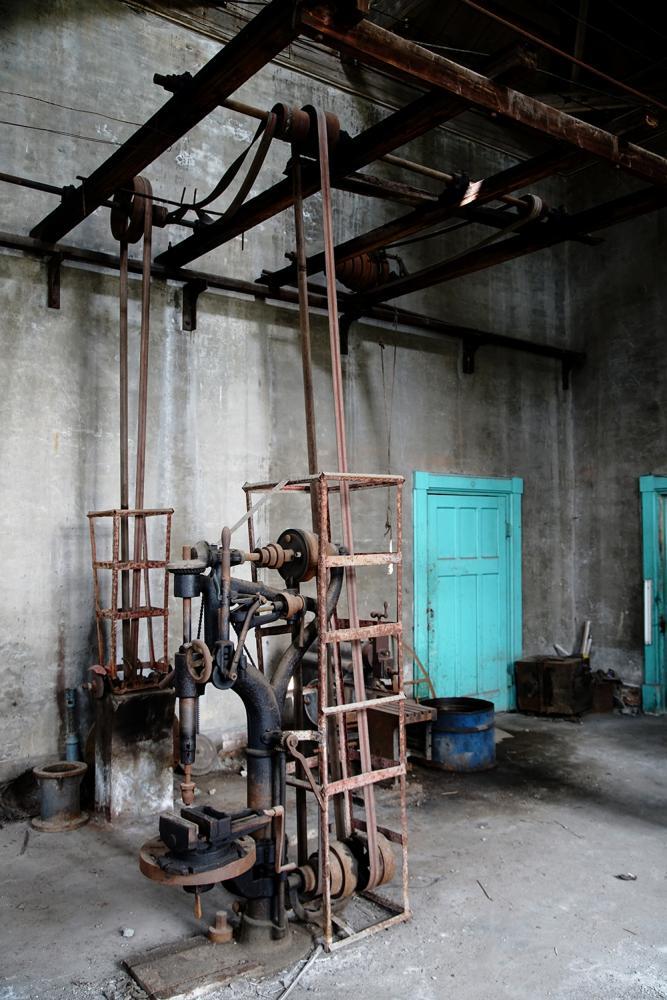竹寮取水站至今仍完好保持日治時期建設留下的手動開關設計。(註:不對外開放)