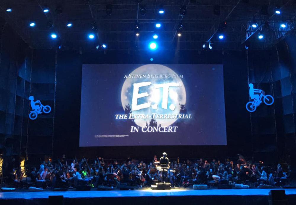 三月打頭陣的《ET.外星人》草地音樂會。