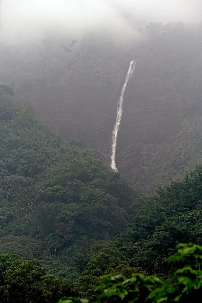 八八瀑布是八八風災後生成的新瀑布。