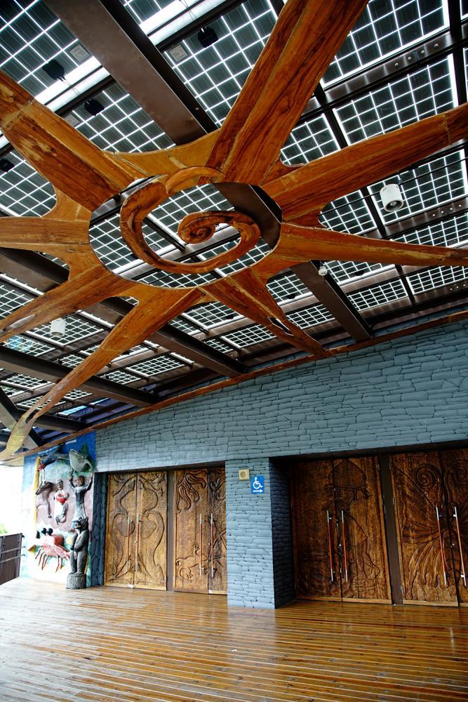 布農族太陽圖騰(屋頂太陽能板)。