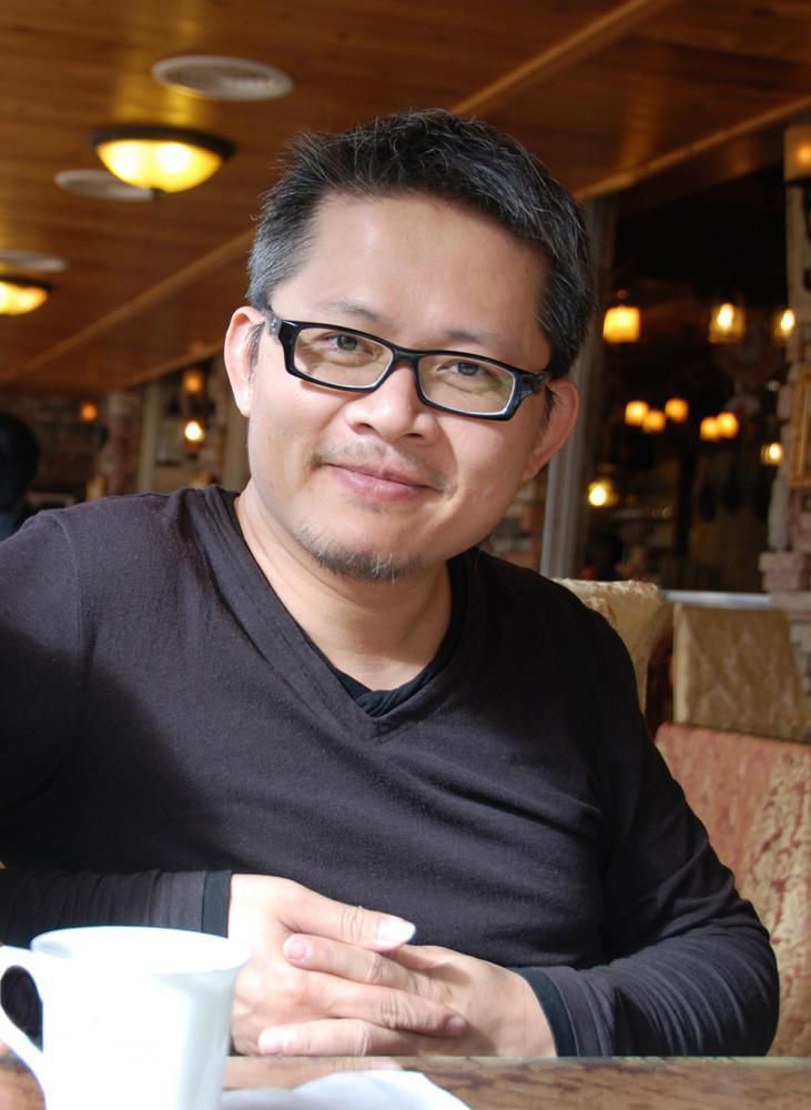 正修科技大學時尚設計系賴岳興老師。