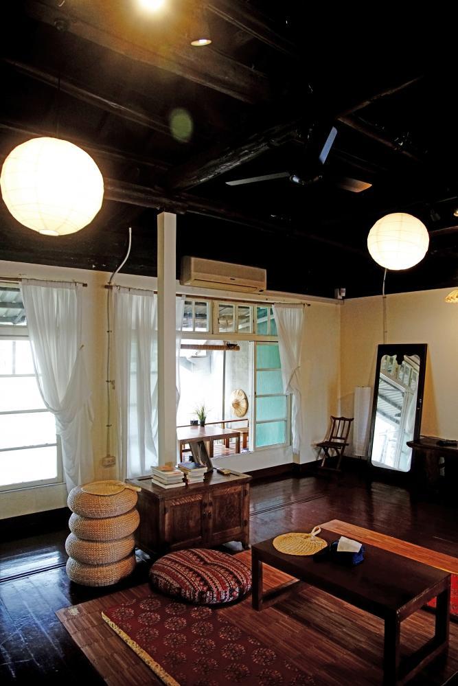 眷舍建築沿自日式風格,室內木質地板很有古早味。