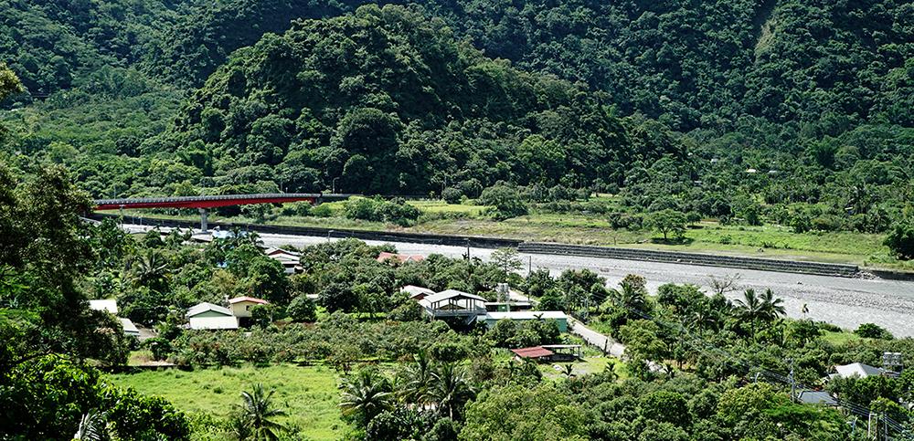 茂林為台灣原住民族魯凱族的主要居住地。